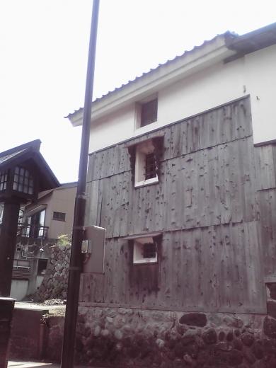 上新町の裏路地2