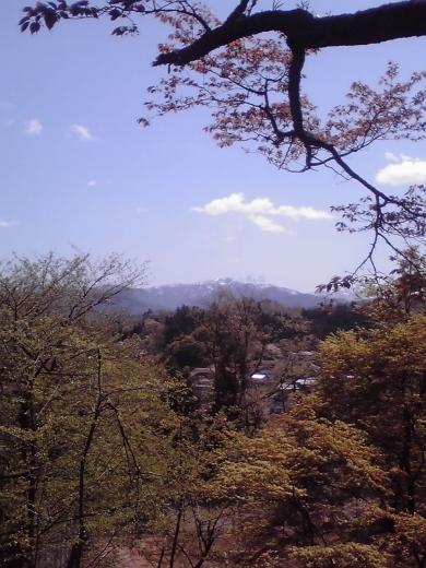 立山連峰を垣間見て