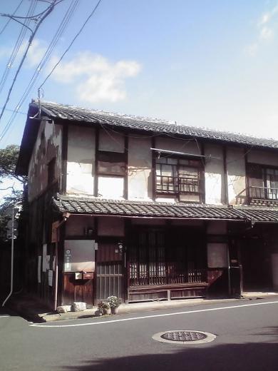 宇津呂町 土壁の町屋