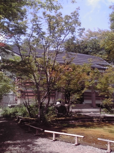 校倉造りの称念寺本堂