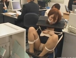 Japanese tied up on the chair - XVIDEOS.COM(2)