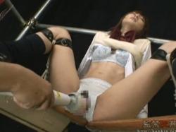 スレンダーな女子高生がローター電マバイブで揉みくちゃにされて気持ちよさのあまり失神 - エロ動画 アダルト動画