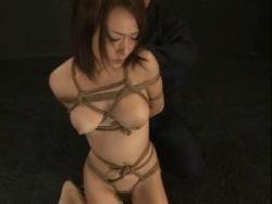 女の子たちを縛ってイラマチオをゲロを…4-4 - エロ動画 アダルト動画(1)