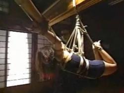竹を使った吊り - エロ動画 アダルト動画