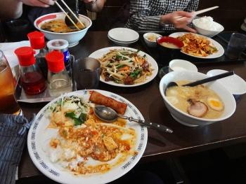 西船橋駅近くの「麺屋翼」でお昼ごはんを食べました。