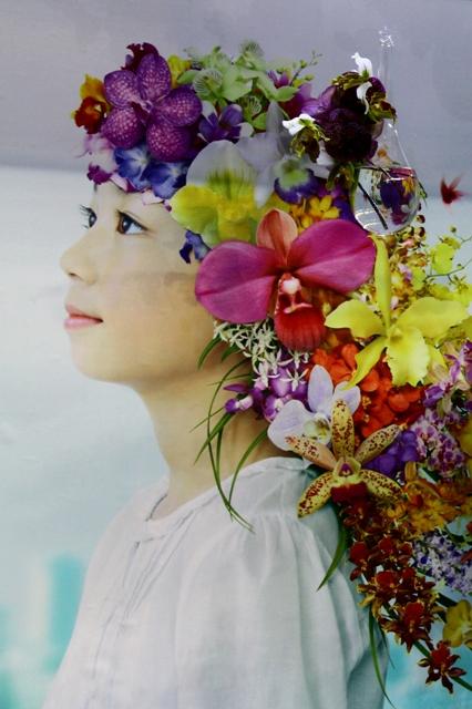 花が舞う こころが踊る 少女