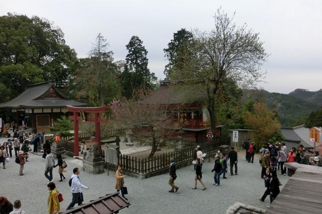 金峯山寺の境内
