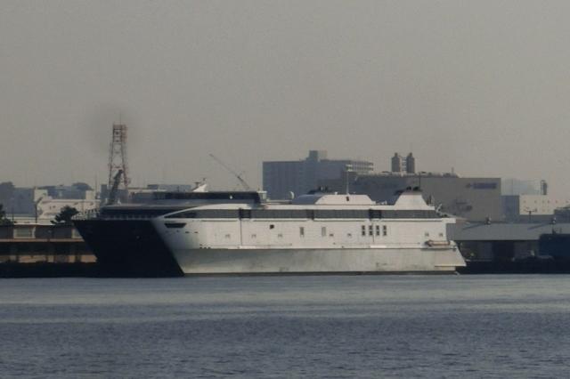 自動車専用貨物船