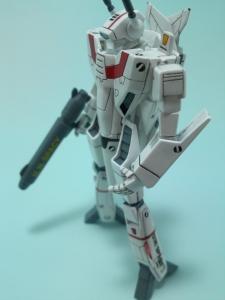 フルスクラッチ 1/144 VF-1J 6