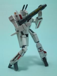 フルスクラッチ 1/144 VF-1J 8