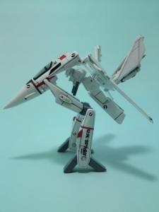 フルスクラッチ 1/144 VF-1J 13