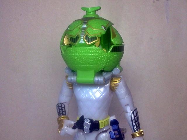 AC05仮面ライダー斬月メロンアームズ12