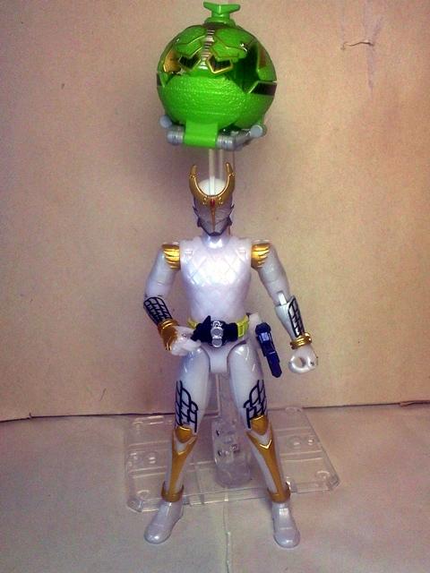 AC05仮面ライダー斬月メロンアームズ11