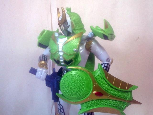 AC05仮面ライダー斬月メロンアームズ34