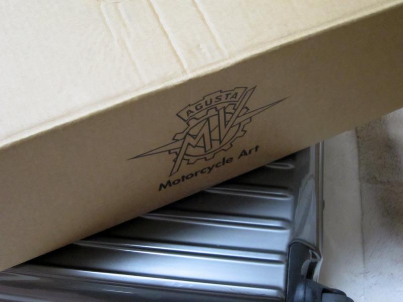 brutale1090r box IMG_2014