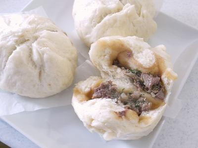 140831チョッと変わった餃子肉まん (2)