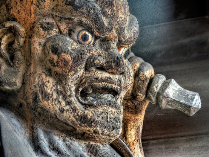 円鏡寺楼門金剛力士像阿形像