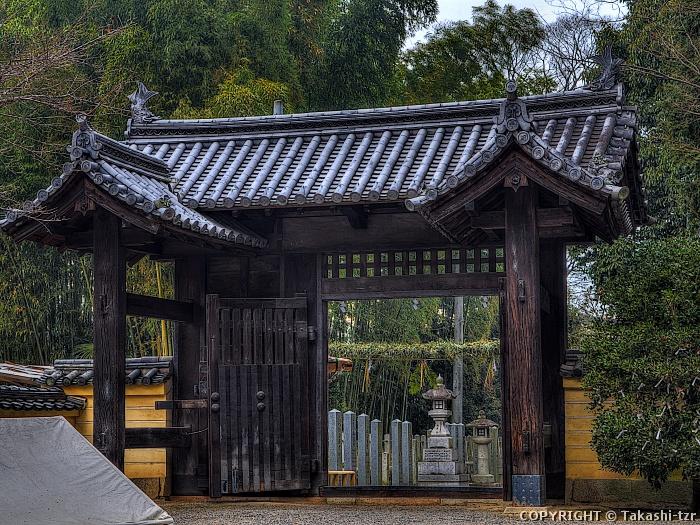 鞭崎神社表門