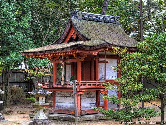 薬師寺休岡若宮社社殿