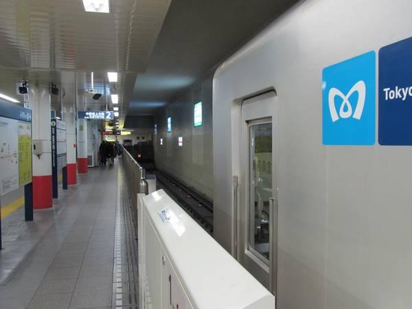 方南町駅のホーム終端側は車止めまで1.5両分ほど余裕がある。