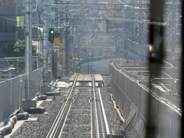 押上駅に向かうトンネル入口手前の新旧接続点。