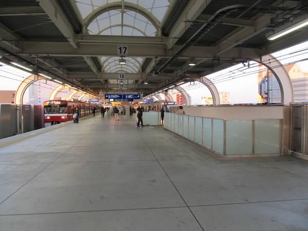 京急蒲田駅3階下り線ホーム