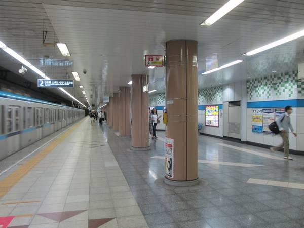 拡幅された門前仲町駅2番線