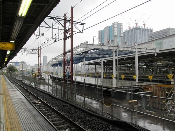 改築中の臨時ホーム7・8番線東京方の端。