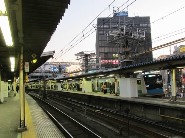 東京寄りの大屋根設置前の様子。