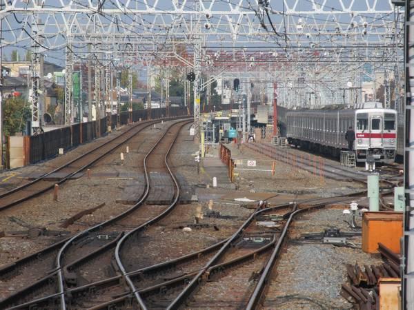 竹ノ塚駅ホーム端から見た引上線。