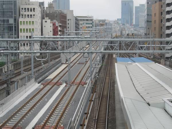 完成した秋葉原駅付近の東北縦貫線の線路。