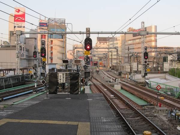 上野駅6~9番線の東京方。こちらも出発信号機の封印が解除された。
