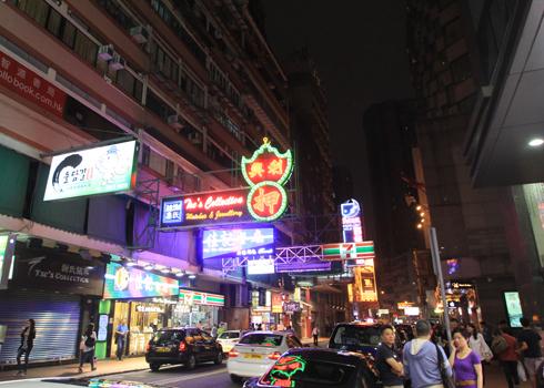 香港夜の看板-8