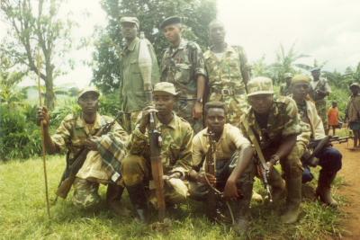 マイマイの子ども兵士2003年 コンゴ民主共和国 カロンゲ地区