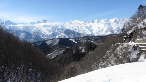 11日R406の白沢峠から見た白馬連峰、ここからの景色はいつ見て素晴らしい・・・007 (500x281)