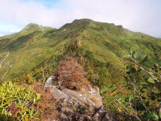 s05武尊山頂方面2