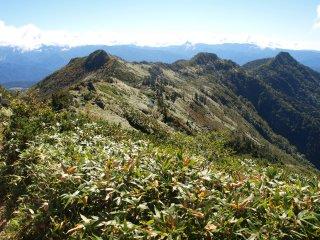 s07山頂から前武尊方面