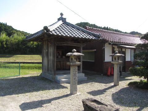 山中の地蔵大菩薩堂