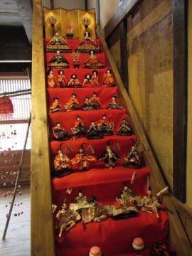階段ひな飾り