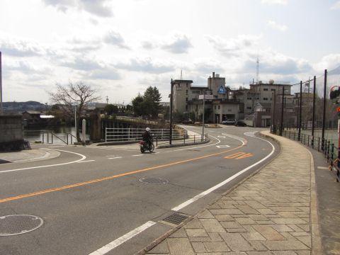 石坂と石坂門跡