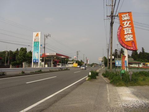 国道1号 釆女食堂付近