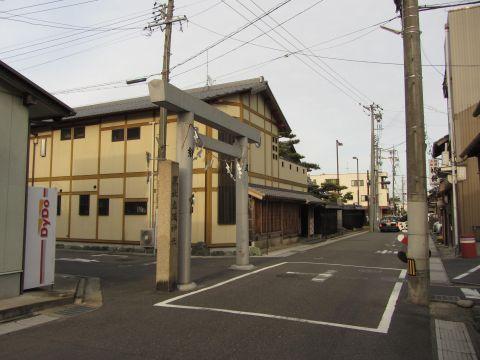 立坂神社参道入口