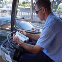サボるバスの運転手