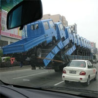 過積載のトラック