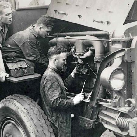 トラック整備士