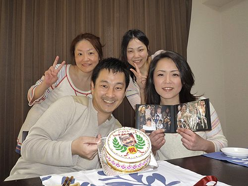 喜ばれるオーダーメイドケーキサプライズ誕生日バースデ^パーティーオリジナル撮った写真をプリント
