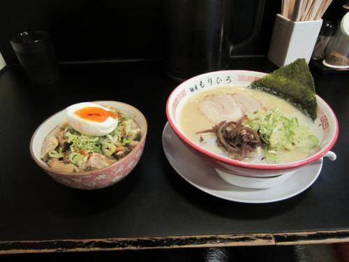 豚骨ラーメン(ばりかた)&焼豚丼