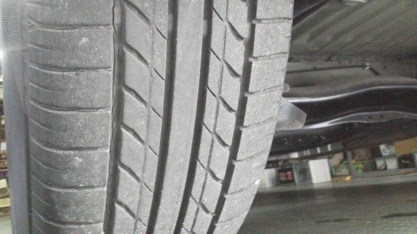 要タイヤ交換?