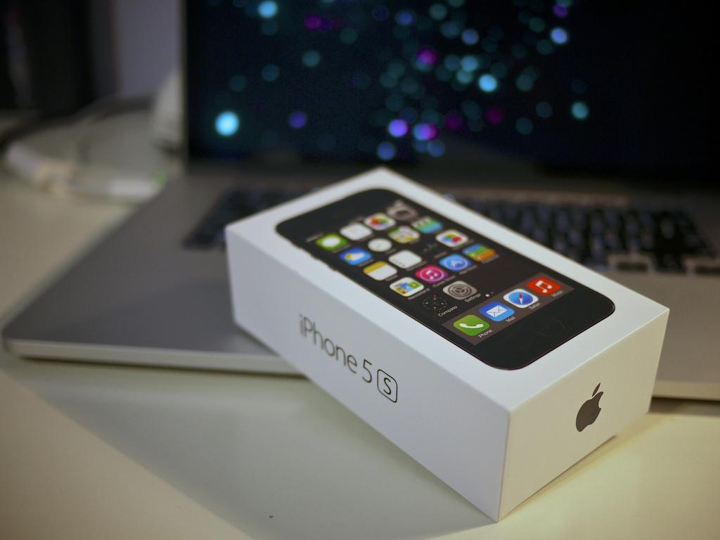 アップル、iPhone 6で128GB版を追加、32GB版は未発売か