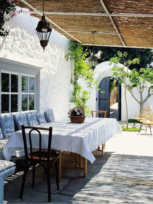 sillas thonet porche rustico